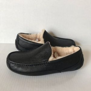 UGG men's Ascot Black Leather Driving Slippers 12